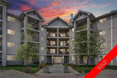 McKenzie Towne Condo for sale:  2 bedroom 844 sq.ft. (Listed 2019-05-18)